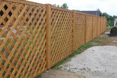 забор прозрачный деревянный