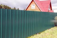 Сплошной забор для дома