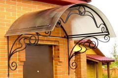 Навес над крыльцом арочный из поликарбоната