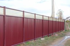 Модульный забор из профнастила красный
