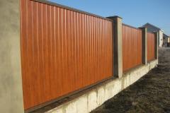 пластиковый забор коричневый