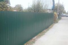 Сплошной забор из профнастила