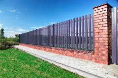 комбинированный забор из евроштакетника