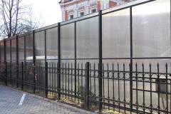 высокий забор из поликарбоната