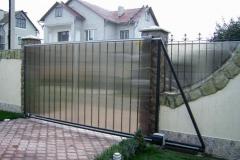 откатные ворота и забор из поликарбоната