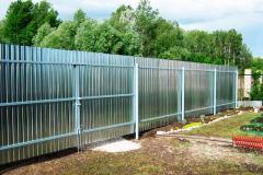 Оцинкованный забор из профлиста