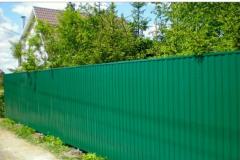 сплошной зеленый забор из профлиста