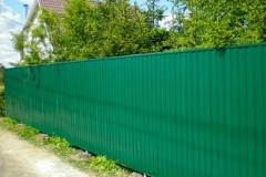 забор из профлиста для частного дома
