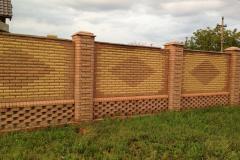 забор из кирпича для частного дома