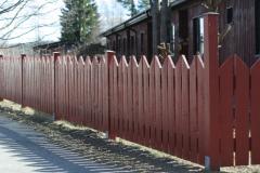 деревянное ограждение для дома