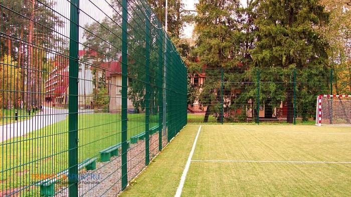 2д забор для спортивной площадки
