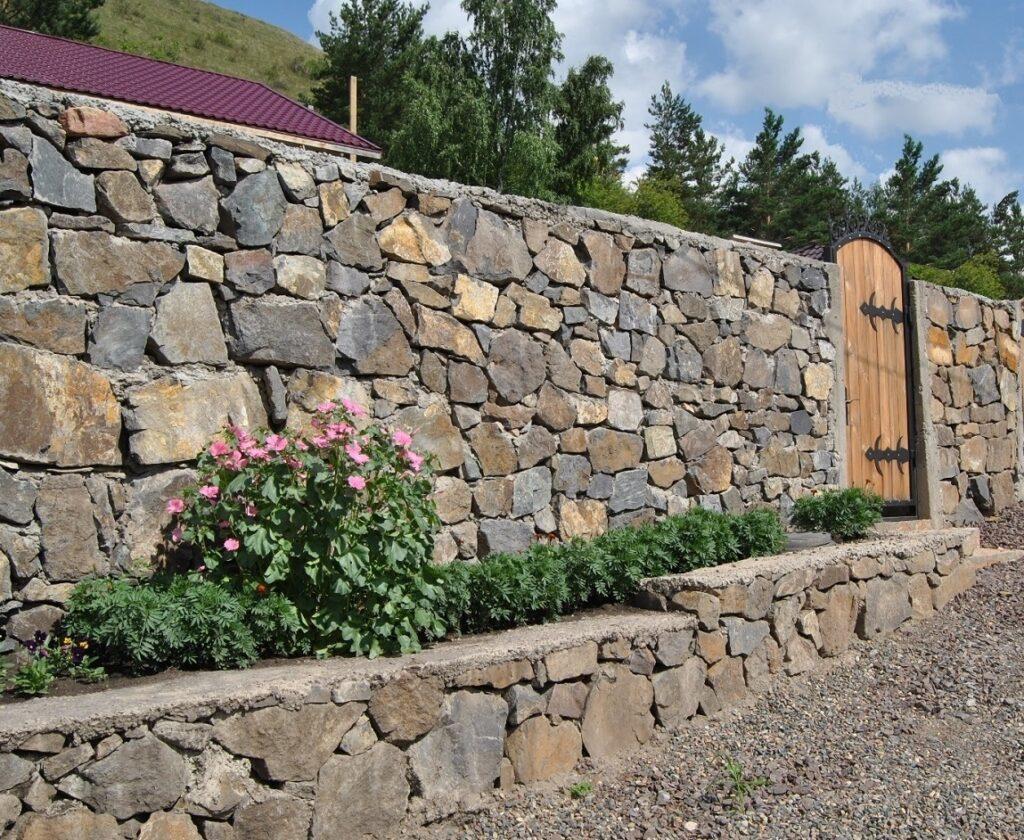 Строительство каменного забора